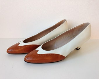Vintage Spectators // Brown and White Leather // Size 6.5