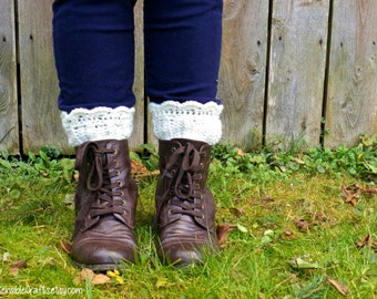Off White Boot Cuffs // Country Girl Crocheted Boot Toppers // Scalloped Leg Cuffs