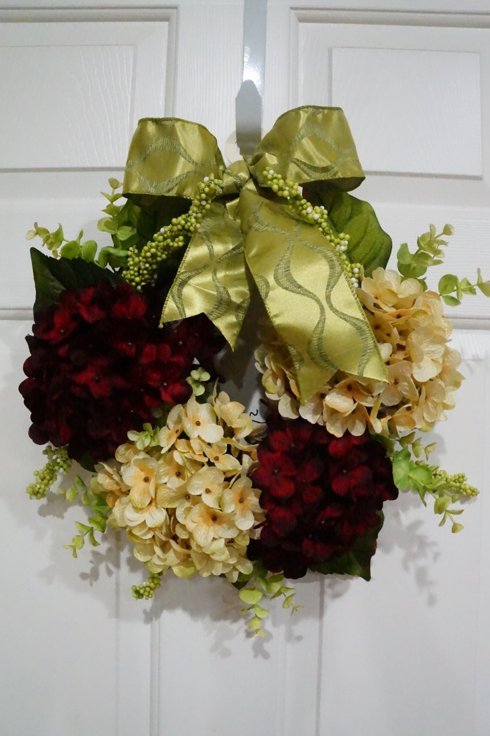 Christmas Hydrangea Wreath with Green Bow-Christmas Gift-House Warming-Red and Beige Hydrangea-Spring Wreath-Mothers Day Gift