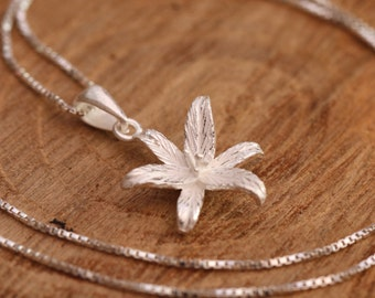925 Sterling Silver 3D Lily Blossom, Flower Pendant Necklace With Name Tag, Romantic Gift/Bridal Gift for Floral With Gift Box
