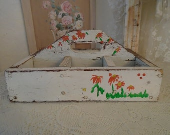 Vintage Hand Painted Wood Box with Handle Chippy Paint Shabby Chic Cottage Chic Prairie