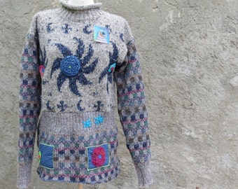 PATCHWORK SWEATER APPLIQUED