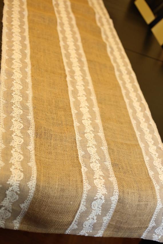 chemin de table toile de jute avec du blanc cousu la dentelle. Black Bedroom Furniture Sets. Home Design Ideas