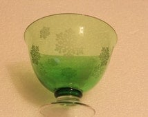 B13 Beautiful Delicate Crystal Green Footed Bowl Etched with Snowflakes Candy Dish Centerpiece Dessert Dish