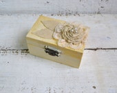 Wedding Ring Box, Cottage chic Ring box, Engagement Ring Box, Holder Pillow Bearer Box, Rustic Wedding Ring Box