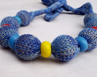Knitted necklase, knitted cotton beaded necklase, cotton necklase with wood bead, blue necklase, yarn jewelry, knit jewelry, mummy jewelry