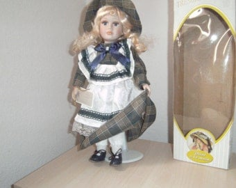 """Reduced..Pretty COLLECTABLE Porcelain Doll. """"Tresors D'antan"""" with Certificate of Authenticity. LIMITED EDITION."""