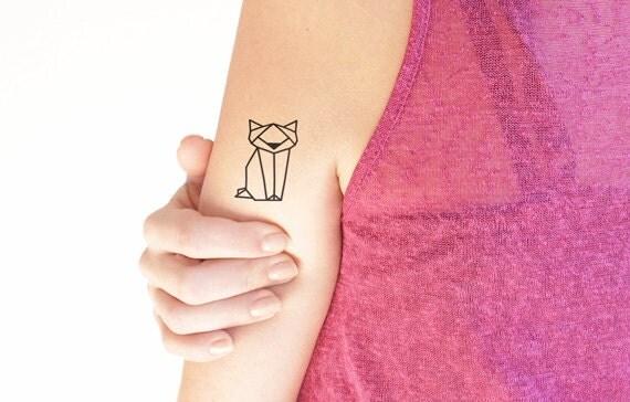 g om trique chat tatouage temporaire lot de 2 tatouages. Black Bedroom Furniture Sets. Home Design Ideas