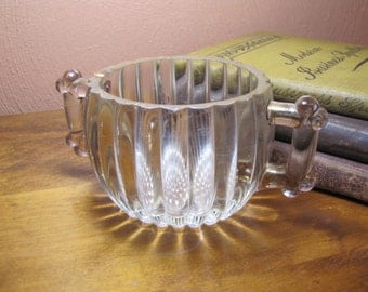 Vintage Two Handled Jeannette Glass Sugar Dish With Log Cabin Handles
