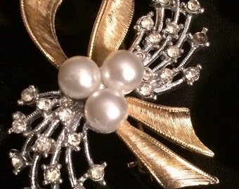 Spectacular Vintage Golden Ribbon, Pearl & Rhinestone Bouquet Brooch