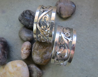 Taxco Vintage Sterling Silver Napkin Rings 2 Qty  36.2 grams