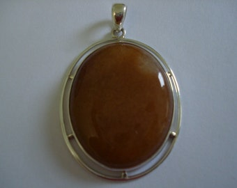 Oval aventurine sterling silver pendant