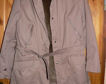 Vintage 1960s men's winter coat with fake fur Size M