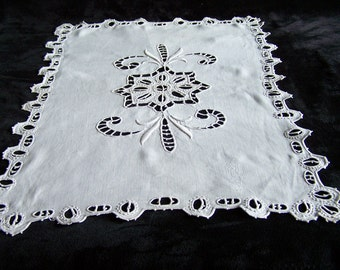 Doily splendid embroidery rectangular Richelieu 13.38 x 20.47 in