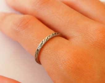 Modern Hammered Sterling Silver Wedding Ring/Ring/Stackable Ring with Patina