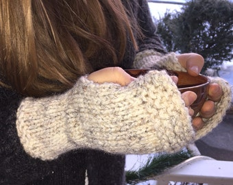 Outlander inspired hand knitted unisex beige tweed  fingerless gloves/gauntlets/wrist warmers similar to ones worn by Claire