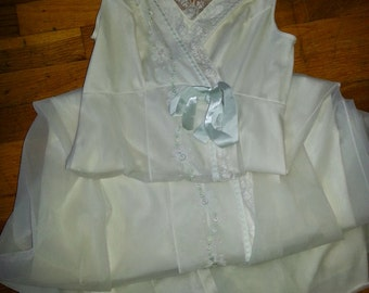 Ivory 1970's Shadowline Nightgown with overlay of Chiffon. Small. 100% Nylon.