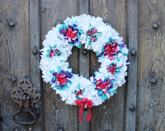 White Festive Rag Rug Christmas Wreath