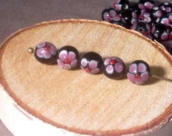 DAISY PINK Black Glass Bead w/ Pink Flower - Black Bead, Flower Bead, Hawaiian Bead, Painted Beads, 6mm Round Bead - Qty 10 (LEX-007)