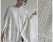 70s White Knit Poncho // Vintage Salle Gee Cable Knit Shawl with Fringe, Size: S/M