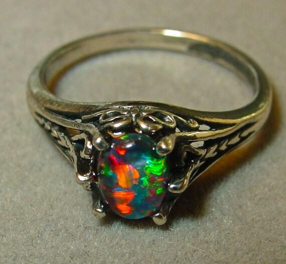 Engagement ring Genuine Australian Natural Opal ring Dainty 7x5 mm Opal Tripl