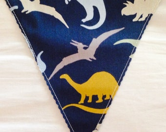 Handmade fabric bunting: Vintage Dinosaurs, super cute! 3m of flags