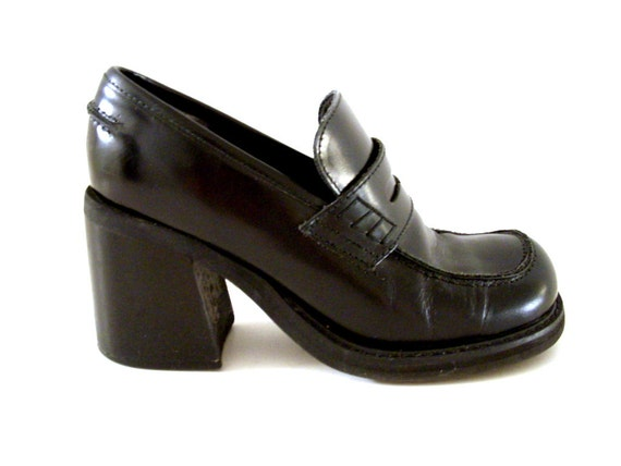 Vintage 90s Black Leather Chunky Heel Shoes by aVintageVagrant