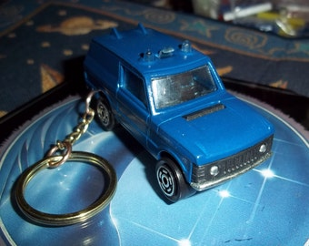 custom made keychain 1970 to 1995 range rover classic,gloss royal blue w/black interer-chrome grill-bumpers and mags/repaint mint