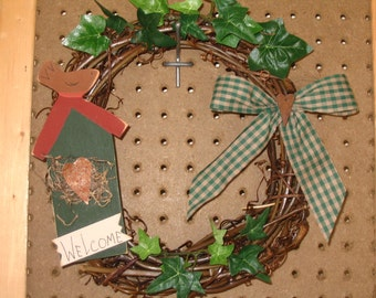 Grapevine Welcome Wreath with Birdhouse