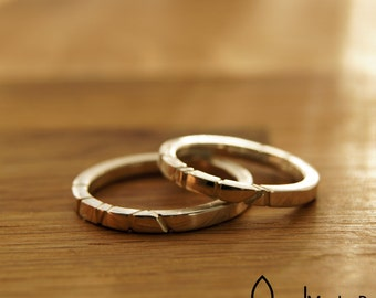 Wedding rings - Friendship rings - engraved stripes - square
