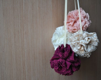 Lace pom poms / wedding / baby shower / party / home decor