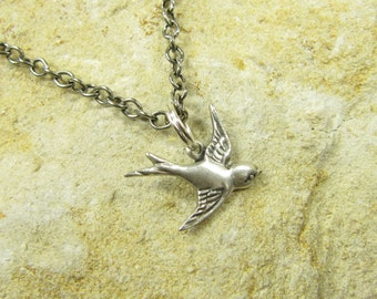 Necklace Sweep of Swallows II, Swallow Necklace, Dainty Necklace, Collar Chain Silver-Plated Brass Swallows Birds, Vintage Style Handmade