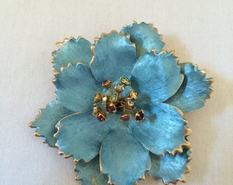 Vintage Brooch  with Colored Stone Stamens