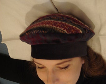 NO/STRESS – Hand made beret-style hat