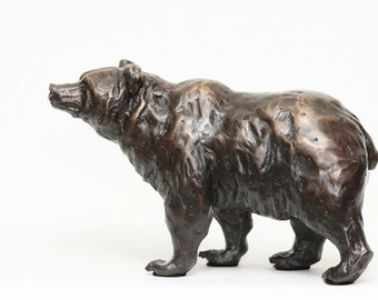Scenting, Grizzly Bear cast bronze sculpture by Canadian Artist Kindrie Grove