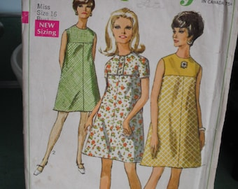 Vintage Sewing Pattern- Simplicity 7532, 1968  Miss Size 16