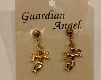 Vintage oldstock guardians angel dangle Goldtone earring set made by angels on my shoulder