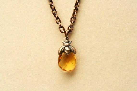 Bee Necklace, Honey Bee Necklace, Pendant Necklace, Bee Jewelry,Honey Drop And Honey Bee Necklace,Bee Pendant