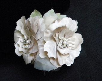 Champagne Blush Bridal Flower Crown, Bridal Fascinator, Champagne Wedding Head Piece, Floral Head Piece, Hair Clip - LAURAL