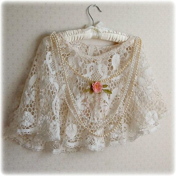 Lace Capelet Cream Color Vintage Wedding Bridal Shrug Shawl Shabby Rose