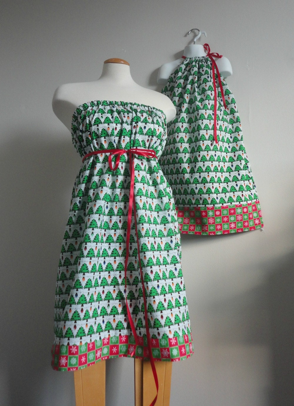 Mommy And Me Christmas Dresses hd gallery