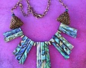 Paua Shell Necklace antique gold - Ocean of Delight