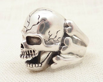 SALE --- Size 7.5 Vintage Sterling Hell Skull and Bones Heavy Ring