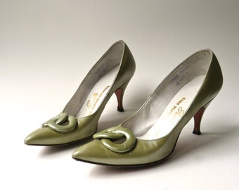 50s vintage Pacelle Olive Green Leather Stilettos  / Saks Fifth Avenue