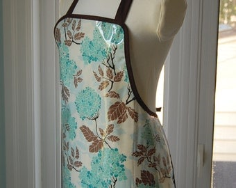 Blue Hydrangea Vinyl Apron -  wipe clean and waterproof apron - fabric with clear vinyl covering