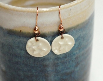 White star earrings,clay white earrings,clay earrings,ceramic earrings,winter earrings,pottery earrings,winter star earrings,