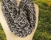 Houndstooth Lace Drape Cowl