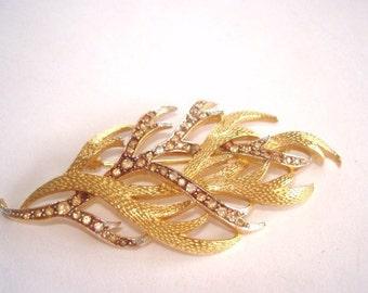 Signed Corocraft   Rhinestone Leaf Brooch Gold Tone Vintage Jewelry