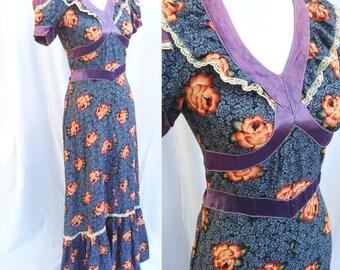 1970s VTG maxi dress cotton western boho hippie gypsy roses / Small