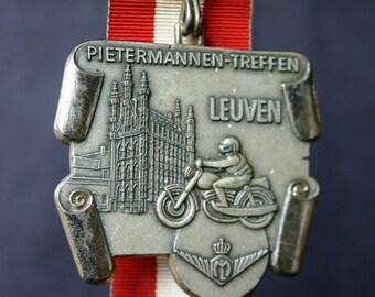1986 Moto meeting souvenir medal.